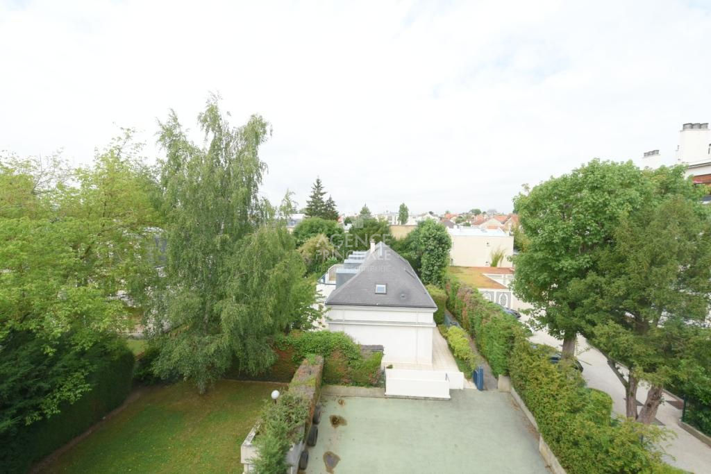 Le Chesnay limite Versailles Appartement100 m² 7/7