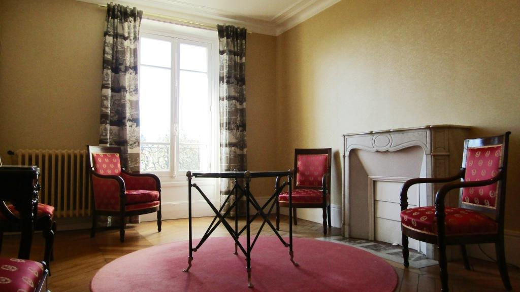 LE CHESNAY SAINT-JEAN APPARTEMENT 5P  84 m² 2/5